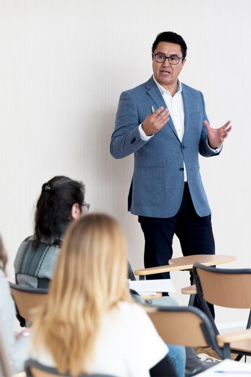 Javi-Caballero-mentor-de-emprendedores